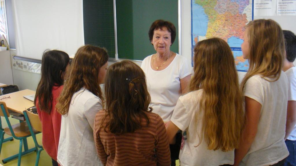 Edith Moskovic rencontre les enfants de CM2 de l'?cole Jules Verne ? Montpellier le 120514